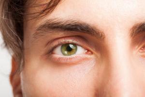 Ψυχολογικά τρικ χρώμα ματιών the-man.gr