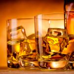 7 Μυστικά για να μη παχαίνεις όταν πίνεις!