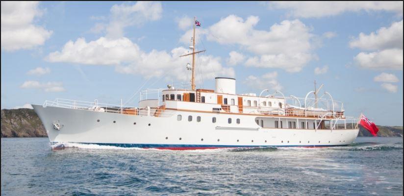 Malahne art deco motor yacht