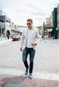 t-shirt-and-blazer