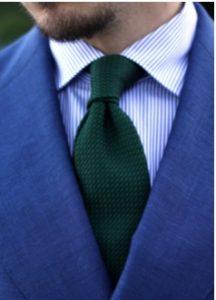 mple rige poukamiso-prasini gravata