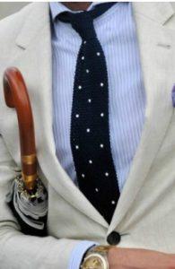 rige poukamiso-poua gravata