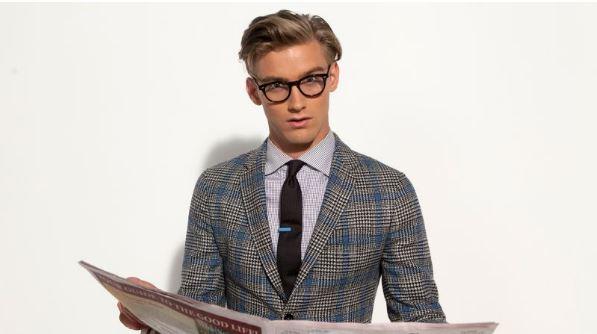 Τα καρό κοστούμια είναι δημοφιλή ανάμεσα στους άντρες και θεωρούνται  ιδιαίτερα κομψά και μπορείς να τα βρεις σε διάφορα χρώματα. df68e1b9aca