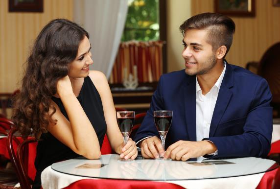 ραντεβού με έναν άλλο άντρα γυναίκα