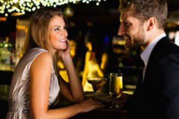 rantevou flirt ginaika me asimi forema antras me kostoumi bar
