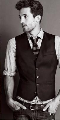 Αυτός είναι ο πιο εύκολος και κομψός τρόπος να φορέσεις το γιλέκο κατά τη  διάρκεια του καλοκαιριού. Τα μονόχρωμα γιλέκα είναι μια πολύ καλή επιλογή  για τους ... 74096093416