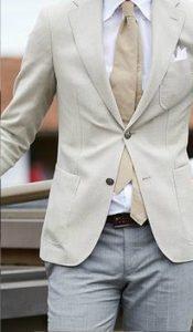 lefko poukamiso-mpez gravata