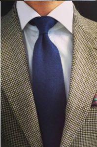 lefko poukamiso-navy gravata
