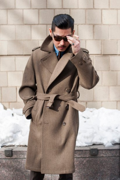 b04fea20008c Αν είσαι ψηλός και δεν έχεις πολλά παραπανίσια κιλά το ιδανικό πανωφόρι για  εσένα και αυτό το χειμώνα θα είναι το κλασικό μακρύ παλτό. Άνετο και ζεστό  σε ...