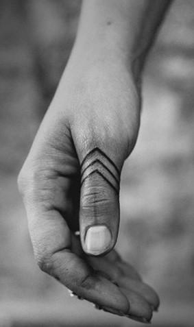antriko tatouaz beloi daxtyla