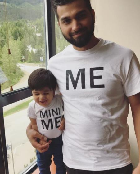Βγαίνω με το γιο μου t shirt