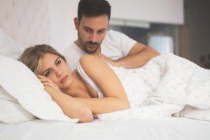 άνδρας γυναίκα κρεβάτι