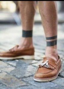 tatouaz panw apo astragalous