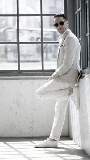 αντρικό ντύσιμο στα λευκά
