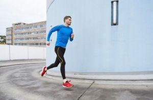 άντρας τρέξιμο cardio