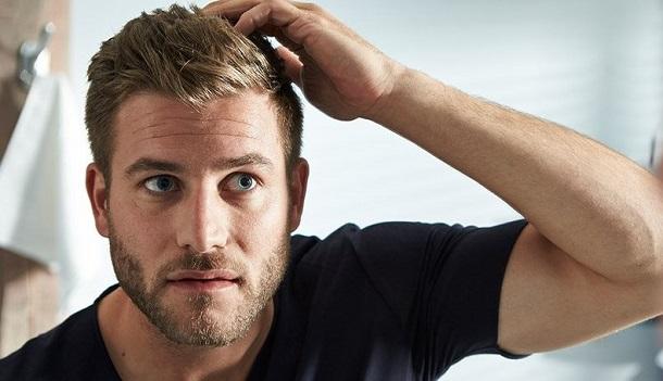 άντρας υγιή μαλλιά
