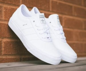 adidas λευκά sneakers