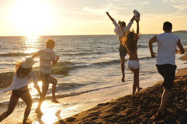 beach bar φίλοι-διασκέδαση