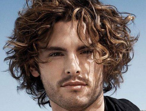 bro flow κούρεα για μεσαίου μήκους σγουρά μαλλιά