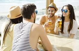 tips για φλερτ στο beach bar