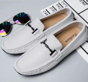 λευκά δερμάτινα loafers