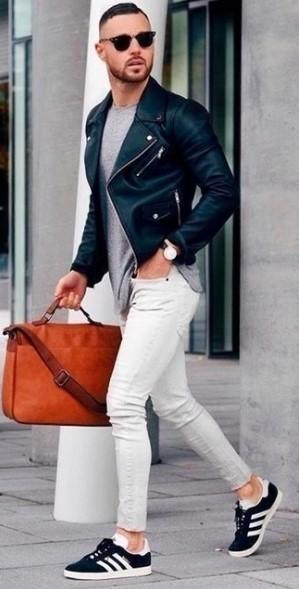 καλοκαιρινό outfit για δουλειά-μαύρα sneakers