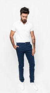 μπλε chinos παντελόνι με Τ-shirt polo