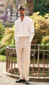 λινό παντελόνι με Oxford πουκάμισο