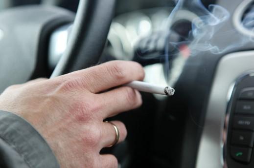 σπρέι που καταπολεμούν τις δυσάρεστες οσμές στο εσωτερικό του αυτοκινήτου