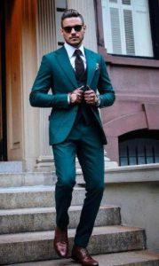 πράσινο formal κοστούμι με Oxford πουκάμισο