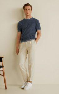 πλισέ παντελόνι με T-shirt