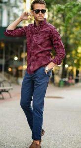 chino παντελόνι συνδυασμένο με καρό πουκάμισο