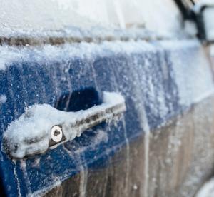 ζέσταμα κινητήρα τις κρύες μέρες του χειμώνα