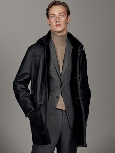 μαύρο δερμάτινο παλτό με κουκούλα
