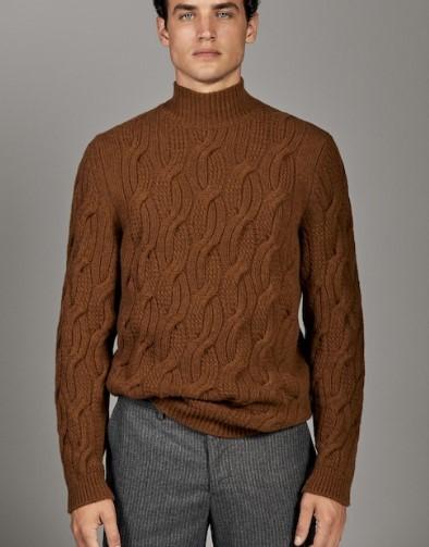 καφέ μάλλινο πουλόβερ με σχέδιο
