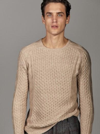 μπεζ πλεκτό πουλόβερ