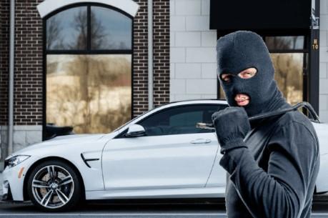 πως θα προστατέψεις το αυτοκίνητό σου από τους κλέφτες