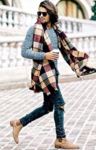 τζιν παντελόνι με σουέντ μπότες