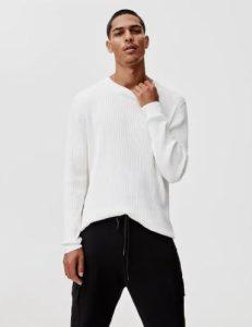 άσπρη πλεκτή μπλούζα
