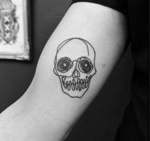 νεκροκεφαλή τατουάζ