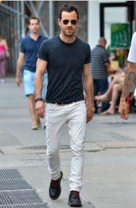 γκρι tshirt άσπρο παντελόνι