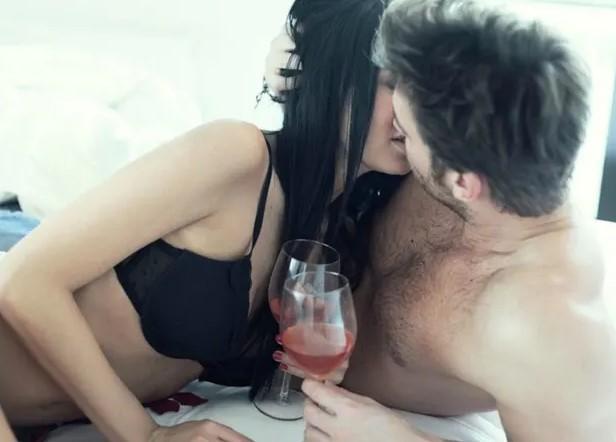 κατανάλωση κόκκινου κρασιού βοηθά στη σεξουαλική λίμπιντο