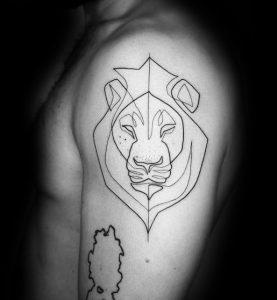 λιοντάρι στο μπράτσο