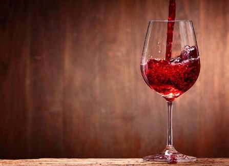 οφέλη κόκκινου κρασιού στην υγεία μας