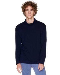 ζιβάγκο μπλε πλεκτό Ανδρικές πλεκτές μπλούζες Benetton Οι πλεκτές μπλούζες είναι ένα απαραίτητο ρούχο για το χειμώνα. Στα Benetton θα βρεις όποιο στυλ πλεκτής μπλούζας και πουλόβερ μπορεί να σου ταιριάζει. Πλεκτά με λαιμόκοψη, με V, με έντονα καρό μοτίβο, με το κλασικό λογότυπο της εταιρείας ή ακόμα και πιο basic, μονόχρωμα πουλόβερ. Η ποιότητά τους είναι όπως πάντα φοβερή, αφού το μαλλί είναι τόσο μαλακό.