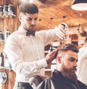 άντρας κούρεμα κουρέας μαλλιά