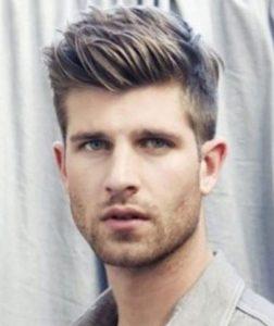 άντρας κούρεμα με κοντά πλαϊνά μαλλιά