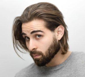 άντρας μακριά μαλλιά