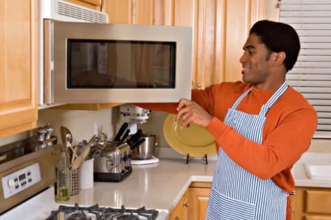 μην ζεσταίνεις την πίτσα στον φούρνο μικροκυμάτων