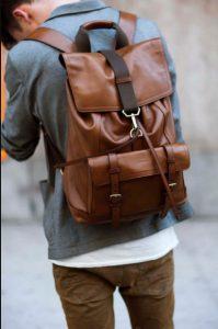 καφέ δερμάτινη τσάντα πλάτης